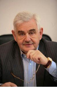 Чл.-корр. РАН Л. А. Вайсберг